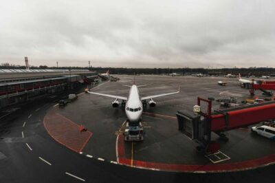 airplane-4885803_1280