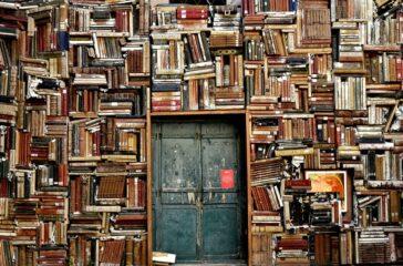 books-1655783_960_720-min